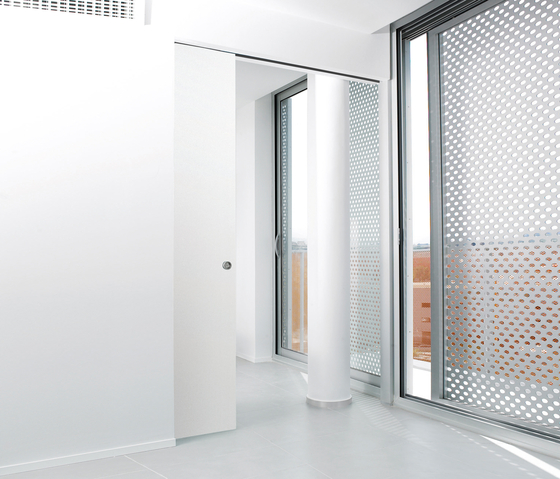 Sysntesis® Line Hinged Door by Eclisse | Internal doors