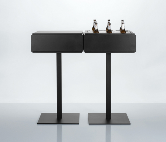 Addi by Magnus Olesen | Bar tables