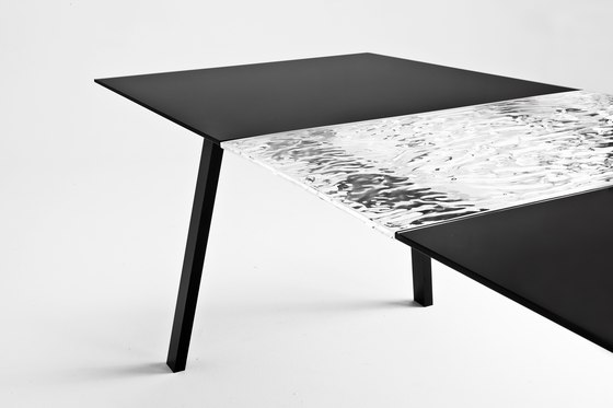 Oyster by Kartell | Restaurant tables