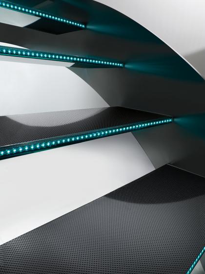 Madras® Pixel Flooring Trasparente by Vitrealspecchi | Glass stairs