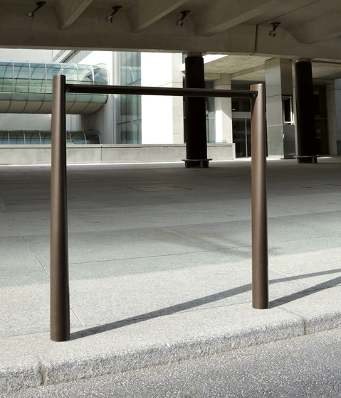 Alcyon Barrier by AREA | Bollards