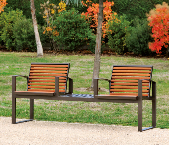 Newport wood Outdoor Bench by AREA | Exterior benches