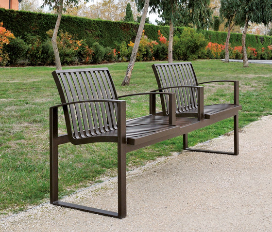 Newport metal Outdoor Bench by AREA | Exterior benches