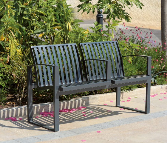 Newport metal Outdoor Bench de AREA | Bancos de exterior