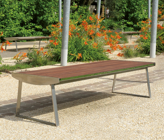 Orlando Outdoor Bench by AREA | Exterior benches