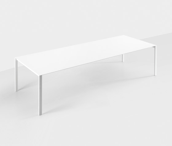 Thin-K aluminium table by Kristalia | Restaurant tables