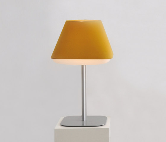 RD2SQ Table Lamp by Innermost   Table lights