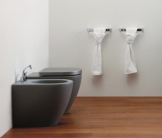 Lava Grey by Ceramica Flaminia | Toilets