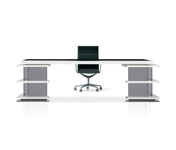Michael by José Martínez Medina | Executive desks