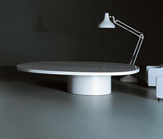 Asymmetrical de Tecno | Tables de conférence