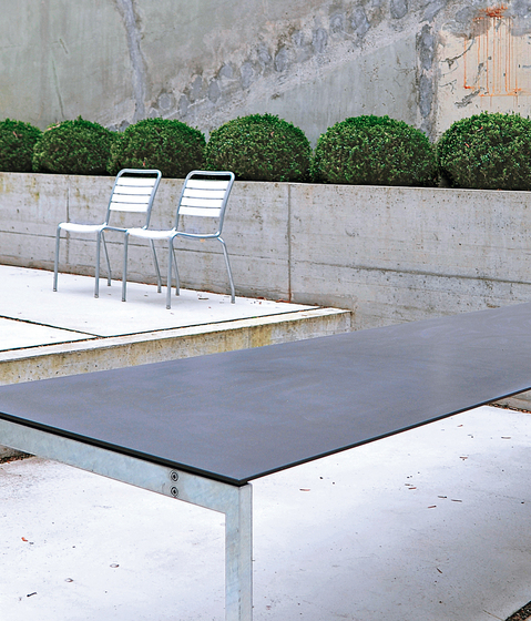 The Thesis garden table by Atelier Alinea | Dining tables