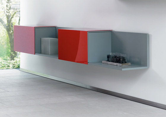 Solitaire Wandboard-System by Euskirchen | Cabinets