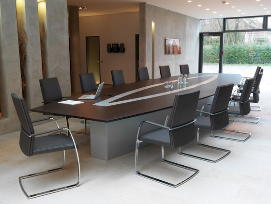 Confer Konferenztisch by Euskirchen | Multimedia conference tables