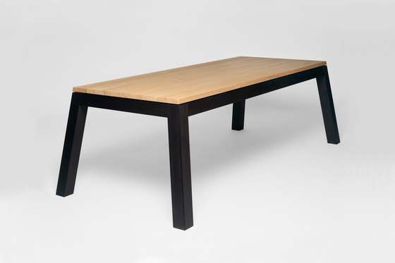 T1 | Dining table di Edition Nikolas Kerl | Scrivanie individuali