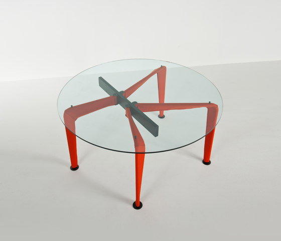 Asymmetrical Table 90 * de Colé | Tables de repas