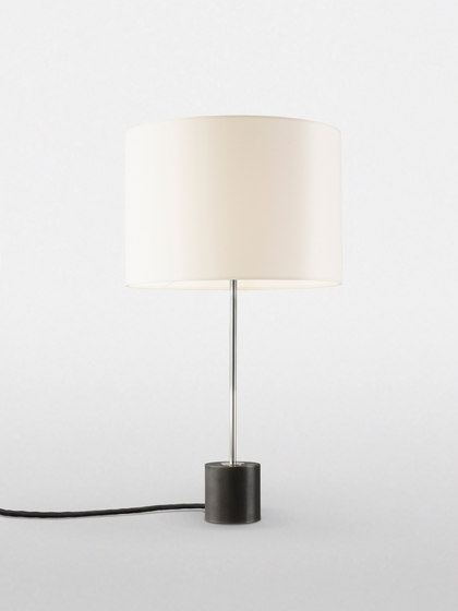 Kilo TL Table Lamp di Kalmar | Illuminazione generale