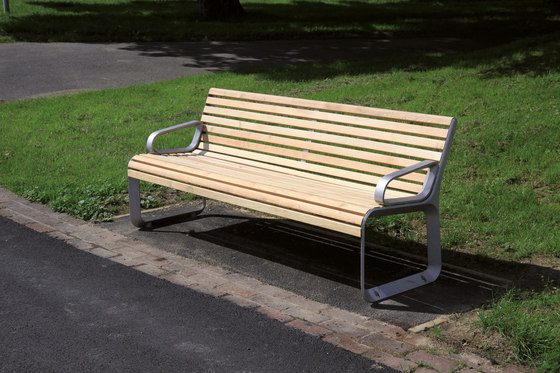 portiqoa | Park bench with backrest and armrests by mmcité | Exterior benches
