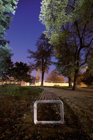 portiqoa | Park bench di mmcité | Panche