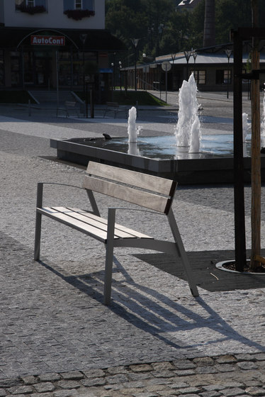 vera Park bench di mmcité | Sedie da esterno