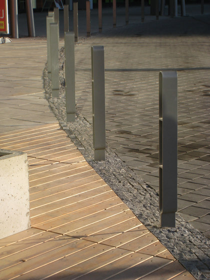 radium Bollard by mmcité | Bollards