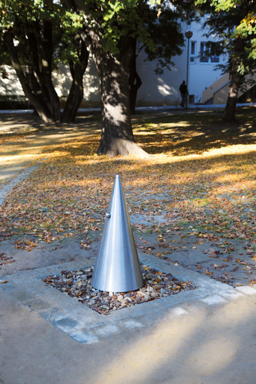 hydro | HD310 Drinking fountain by mmcité | Water features