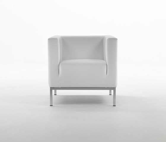Ascot Armchair by Giulio Marelli | Lounge chairs
