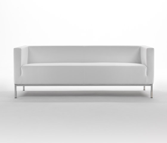 Ascot Sofa by Giulio Marelli | Lounge sofas