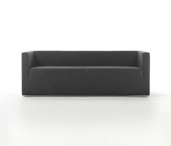 Ascot Low Sofa by Giulio Marelli | Lounge sofas