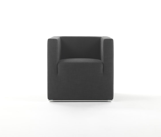 Ascot Low Armchair by Giulio Marelli | Lounge chairs