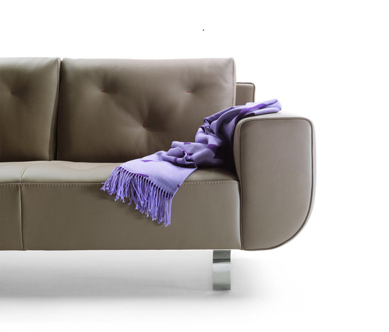 Bay Sofa by Giulio Marelli | Lounge sofas