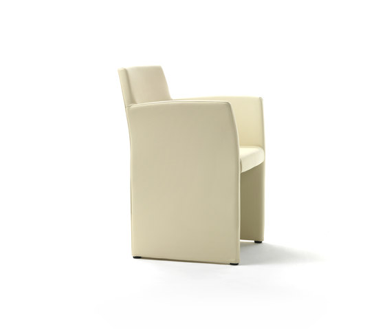 Oscar Armchair by Giulio Marelli | Visitors chairs / Side chairs