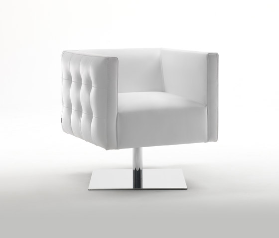 Prestige S Swivel Armchair by Giulio Marelli | Lounge chairs