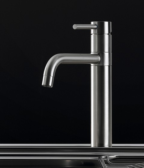 Armatur by Arclinea | Kitchen taps
