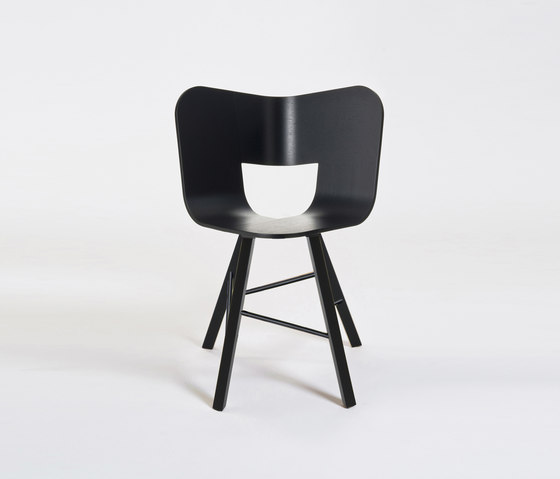 Tria Wood Chair 4 von Colé | Restaurantstühle