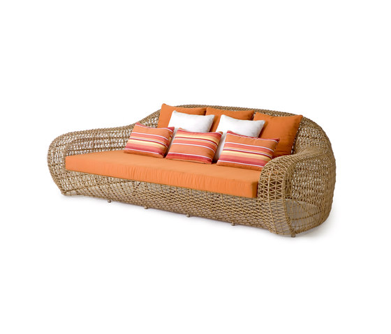 Balou Daybed by Kenneth Cobonpue | Seating islands