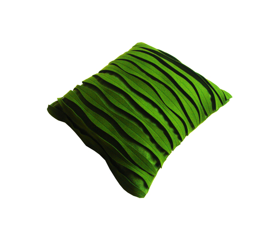 Pleat cushion by ANNE KYYRÖ QUINN | Cushions