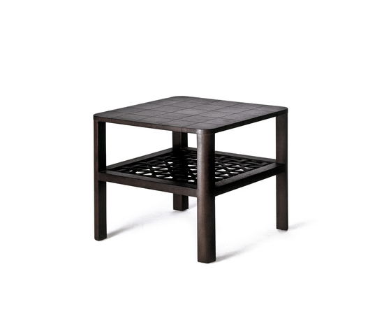 Matilda End Table de Kenneth Cobonpue | Mesas auxiliares