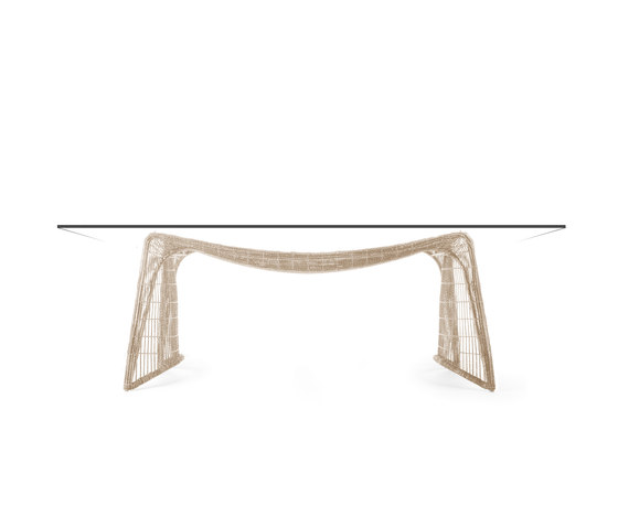 Pigalle Dining Table rectangular de Kenneth Cobonpue | Tables de restaurant