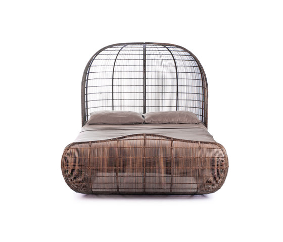 Voyage Bed de Kenneth Cobonpue | Camas dobles