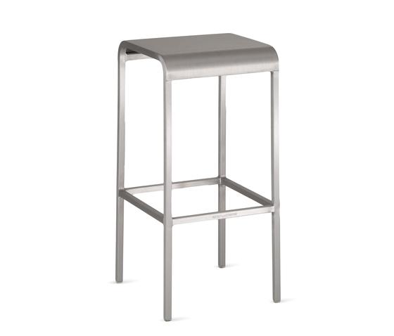 20-06™ Barstool de emeco | Tabourets de bar