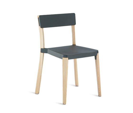 Lancaster Stacking chair von emeco | Restaurantstühle