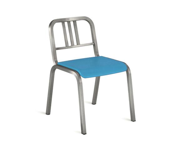Nine-0™ Stacking chair de emeco | Sillas para restaurantes