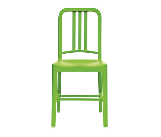111 Navy Chair de emeco | Sillas para restaurantes