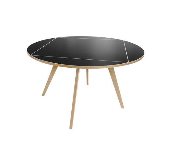 Bill | Square Round Table by wb form ag | Restaurant tables