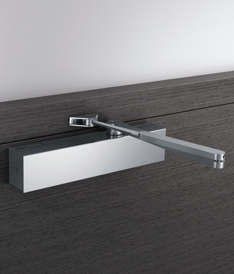 Door closer 9104 0000 di FSB | Chiudiporte