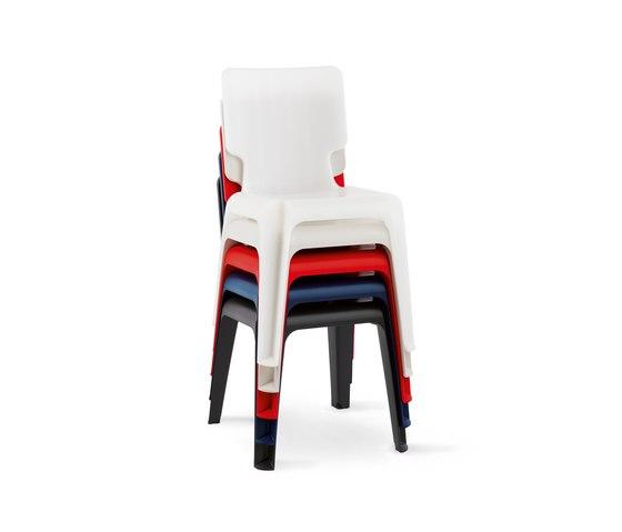 WAIT Kunststoffstuhl von Authentics | Gartenstühle