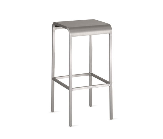 20-06™ Counter stool de emeco | Taburetes de bar