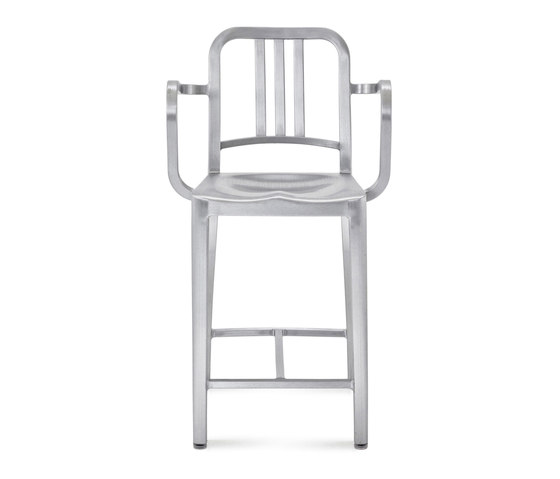 Navy® Counter stool with arms de emeco | Taburetes de bar