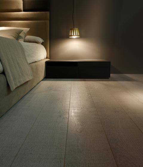 Flooring | gris plata claro corte decapado by Energía Natural | Wood flooring