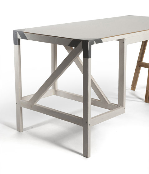 Dilettantisch by Structuredesign | Desks